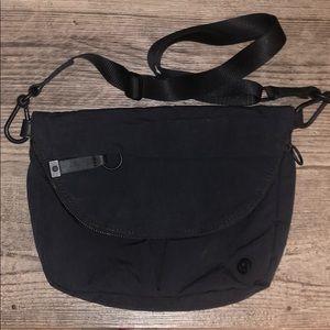 Lululemon Festival Bag black excellent new
